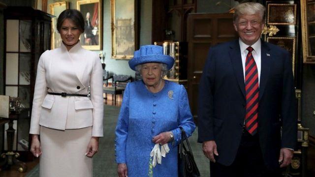 Kraliçe ve Trump çifti