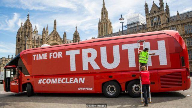 英国の欧州連合(EU)離脱をめぐる2016年の国民投票では、離脱派が投票前にうそをついていたと非難された