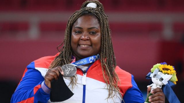 dalys Ortiz, judoka from Cuba, with the silver medal at Tokyo 2020I