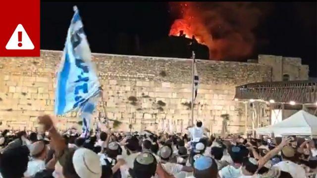 Tuítes enganosos afirmavam que a mesquita de Al-Aqsa estava em chamas
