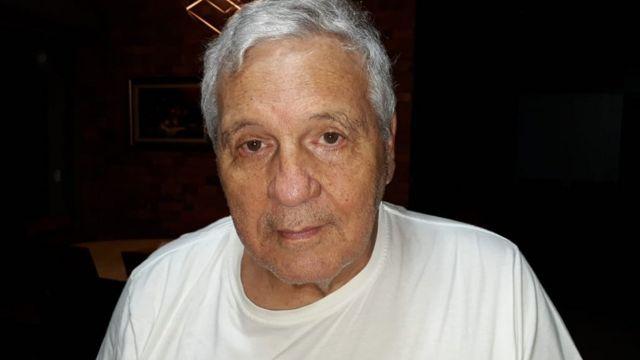 O professor Jorge Moysés Netto, 73, paralisou seu tratamento de câncer na bexiga