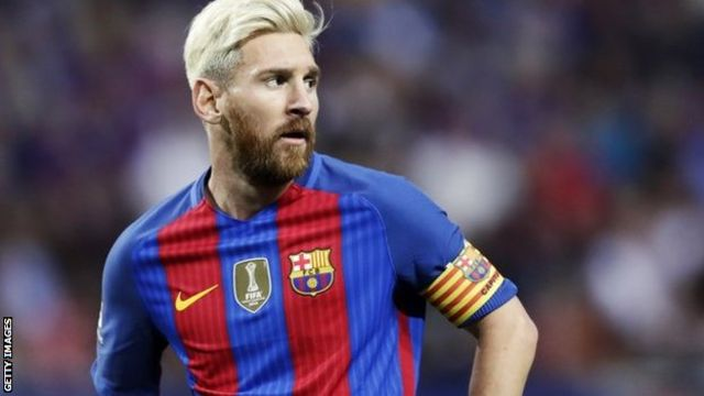 Lionel Messi in action against Leicester City