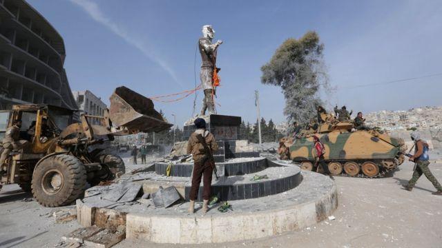 разрушение памятника