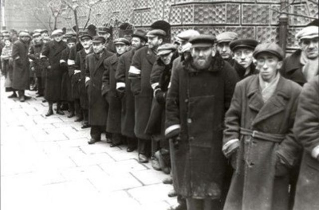 Fila de judeus