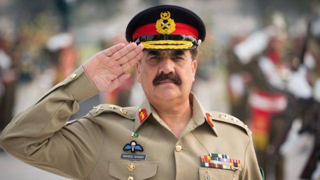 Should Pakistan ex-army chief lead Islamic military alliance?