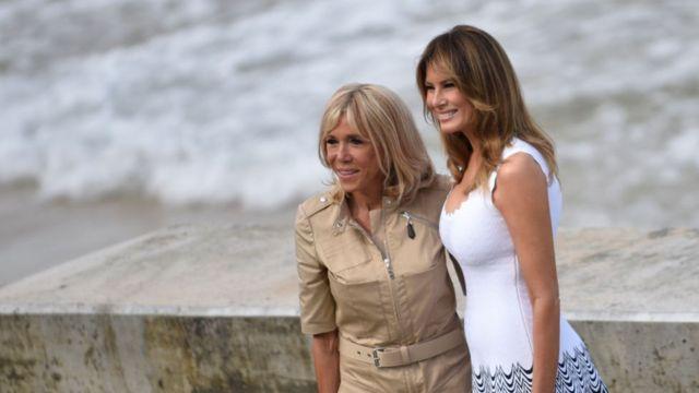 La Primera Dama de Estados Unidos, Melania Trump, posa con Brigitte Macron.