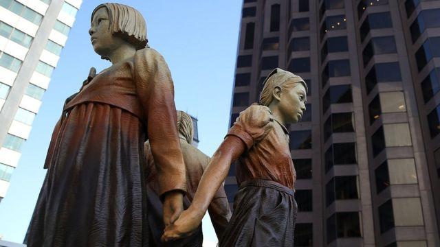 Imagem mostra monumento erguido nos EUA que lembra escravas sexuais do exército japonês na Segunda Guerra