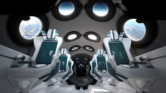 """داخل الطائرة الفضائية """"يونيتي"""""""
