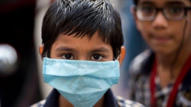 कोरोना के दौर में स्कूल खोलने के क्या ख़तरे हैं? - BBC News हिंदी