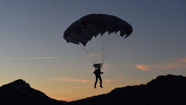 парашутист