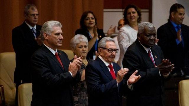 Díaz Canel y Raúl Castro