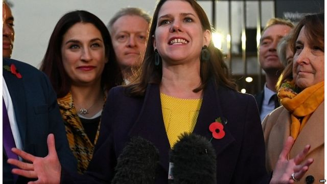 Jo Swinson and other Lib Dem candidates outside Parliament