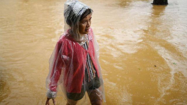 Bão lụt miền Trung VN