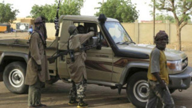 """Les assaillants sont supposés être """"des fidèles d'Amadou Koufa"""", un prédicateur radical proche du groupe jihadiste """"Ansar Dine"""""""