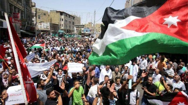 آلاف الأردنيين خرجوا الجمعة محتجين على ما يجري في الحرم القدسي