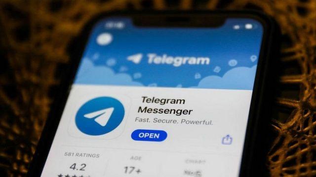 Celular con Telegram