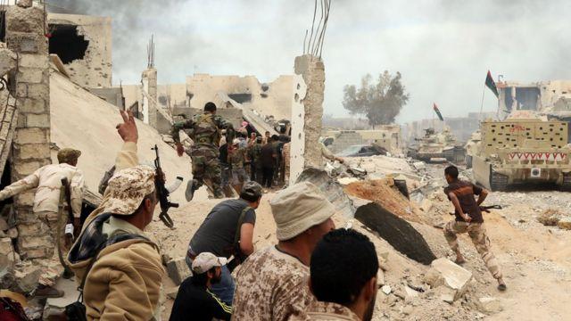 Mayakan sa kai da sojojin Libya a bakin daga
