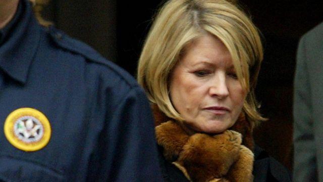 2004年3月に捜査妨害や連邦捜査官への偽証罪などで有罪判決を受けたマーサ・スチュワート被告(当時)