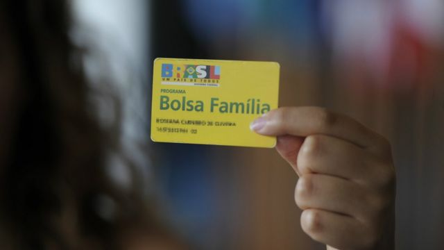 No governo Dilma, mulheres passaram a ser titulares do Bolsa Família