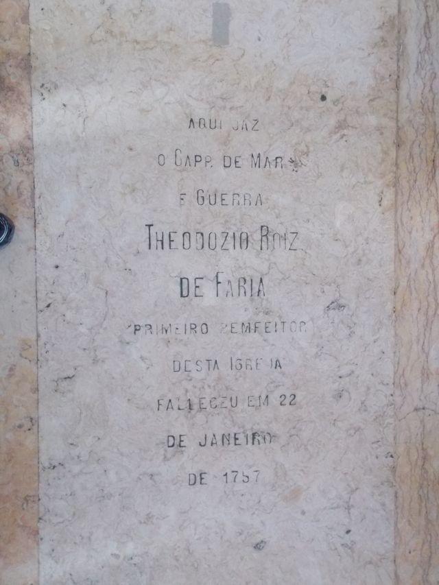 Túmulo de Teodósio Rodrigues de Faria na Igreja do Senhor do Bonfim, em Salvador