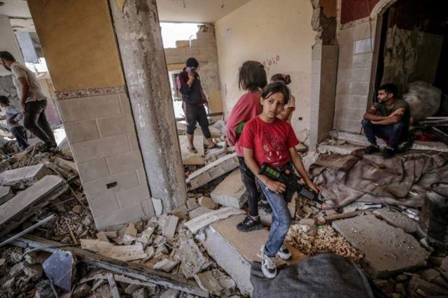 разрушенные дома в газе