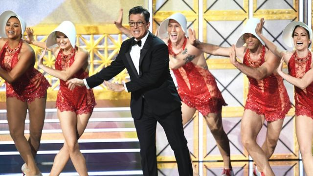 Stephen Colbert dey dance for Emmy Awards 2017