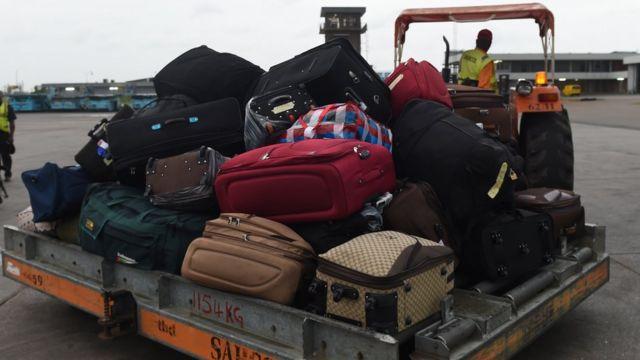 Bag wey dem wan loan inside aircraft