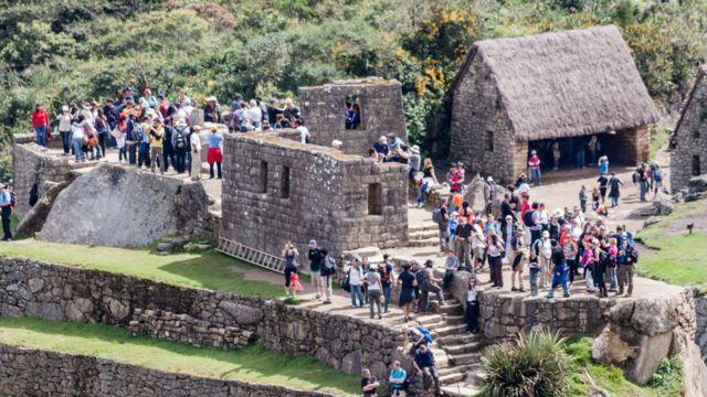 Turistas en Machu Picchu