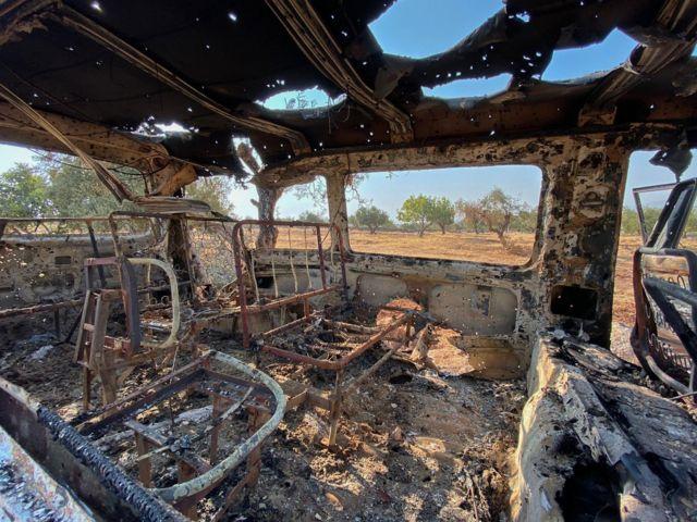 сгоревший остов машины