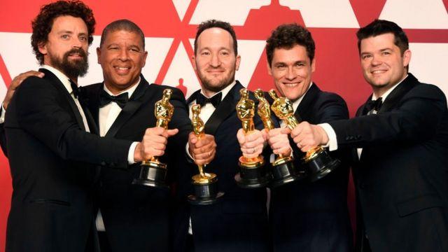 Peter Ramsey (2ème en partant de la gauche) est le premier réalisateur noir à être nommé dans la catégorie des longs métrages d'animation.