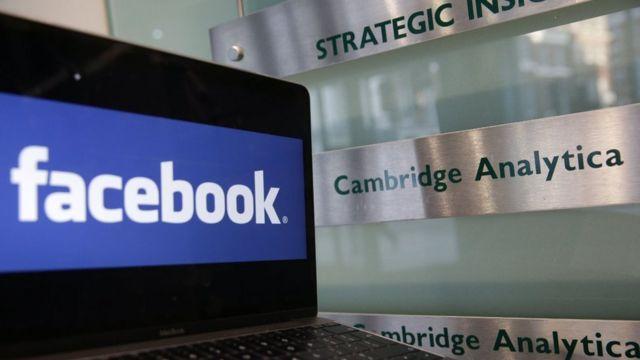 Facebook đang gặp chỉ trích sau khi một công ty Anh Cambridge Analytica bị tố cáo lạm dụng dữ liệu người dùng Facebook