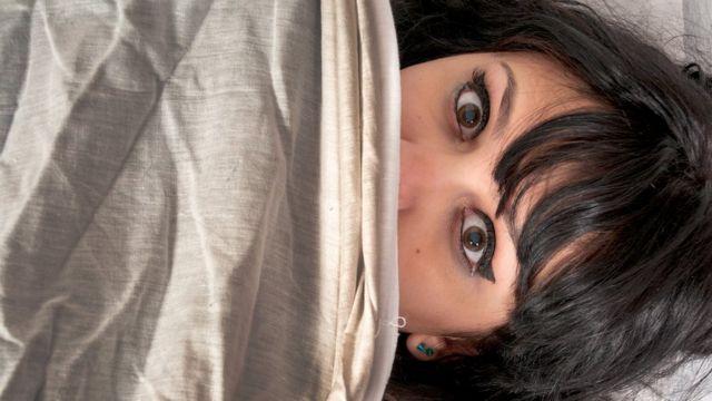 Mujer aterrada