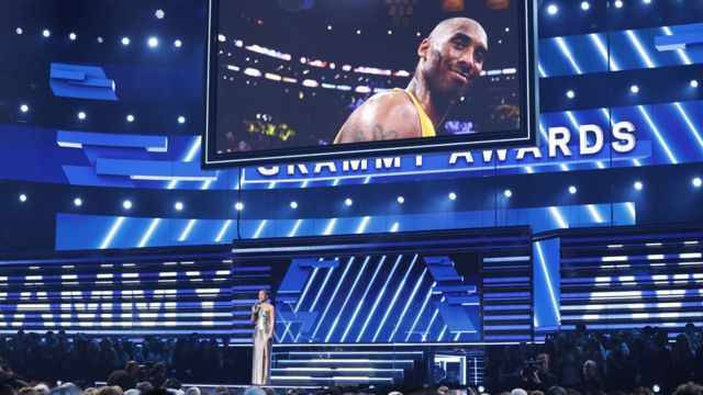 Alicia Keys pays tribute to Kobe Bryant at the Staples Center, where he starred for the LA Lakers