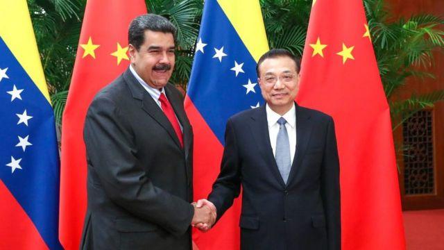 Nicolás Maduro con el premier Li Keqiang, durante una visita a China