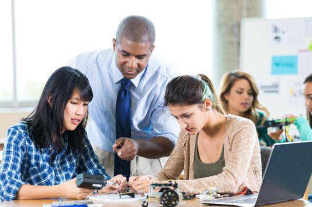 Professor e alunos