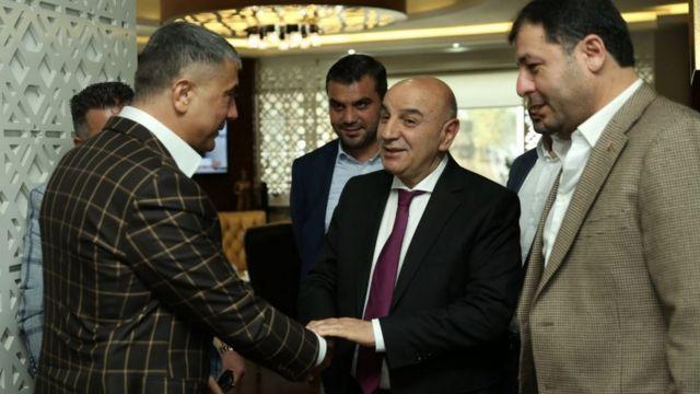 Peker, 2019'da AKP'li Keçiören Belediye Başkanı Turgut Altınok'u makamında ziyaret etti.