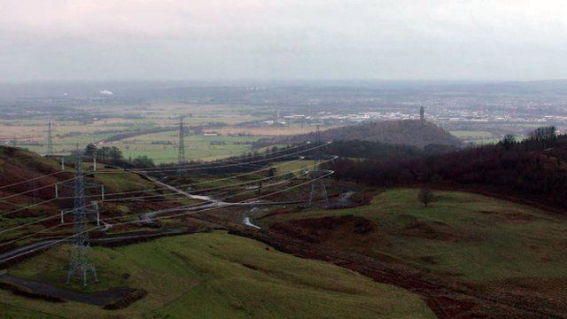 Beauly-Denny power line passes by the Wallace Monument