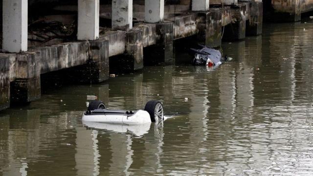 澳門某處多輛汽車掉進水中(24/8/2017)