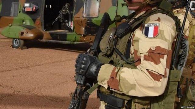 4 000 militaires français sont engagés dans le cadre de la force Barkhane depuis août 2014.