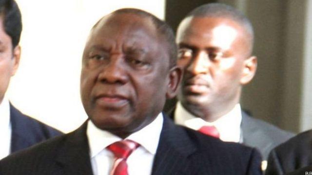 """Le nouveau président sud-africain fait de la lutte contre la """"capture de l'Etat"""" et les """"problèmes de corruption"""" sa priorité."""
