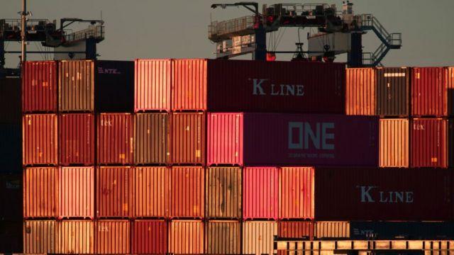 Contenedores en un puerto en Estados Unidos.