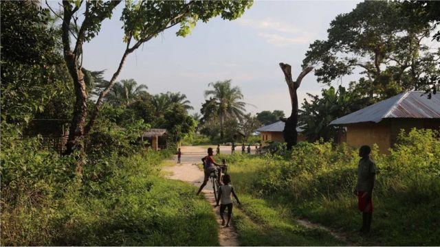 Les communautés vivant dans la forêt tropicale humide du bassin du Congo se voient accorder de vastes étendues de terres à gérer de manière durable