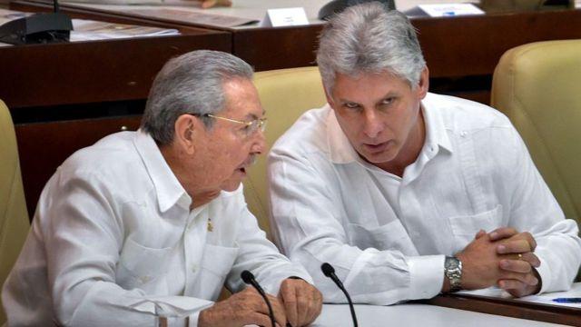 Raúl Castro y Miguel Díaz-Canel
