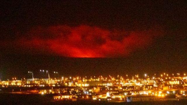 Erupción del volcán Fagradalsfjall en la península de Reykjanes.