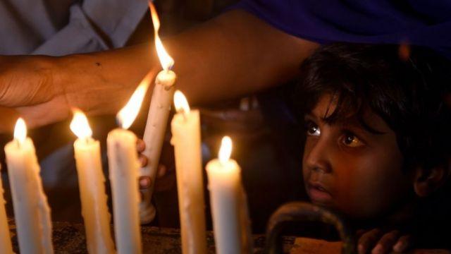 'தவறான செய்திகள் வெளியீடு': இந்திய ஊடகங்களை ட்விட்டரில் வறுத்தெடுக்கும் மக்கள்