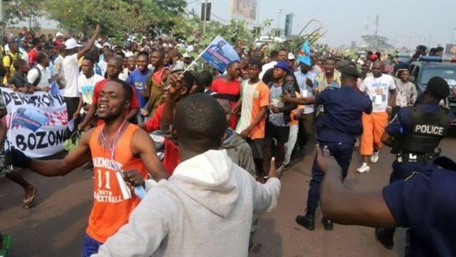 Taageerayaasha When Jean-Pierre oo Kinshasa ku soo dhaweynaya