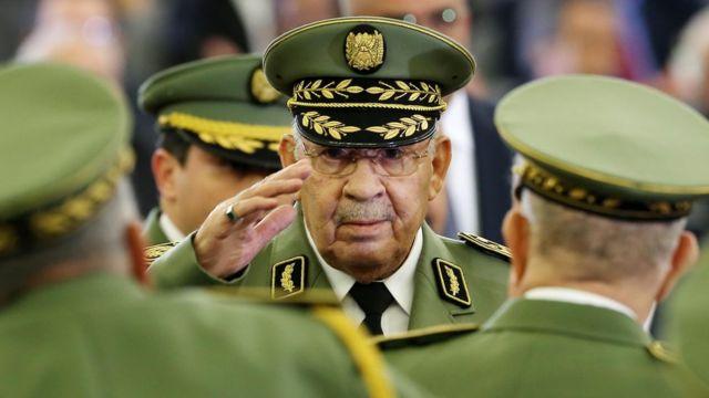 أحمد قايد صالح في حفل تنصيب الرئيس الجديد تبون