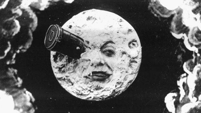 """Cena do filme """"Viagem a Lua"""" (1902), de George Meliés."""