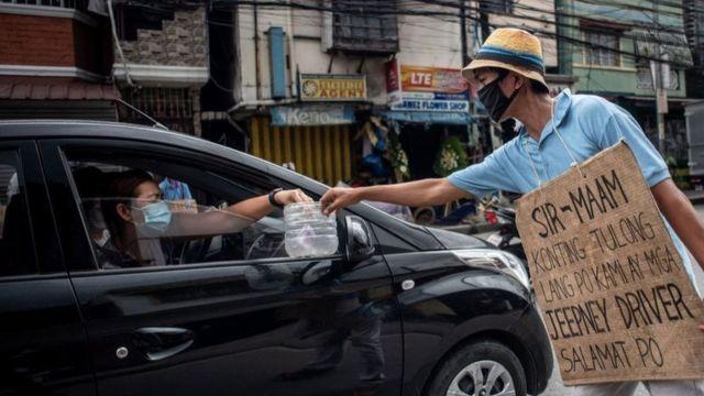 فقد قائدو الحافلات وسيارات الأجرة في الفلبين وظائفهم في وقت تعاني فيه الدولة ركودا اقتصاديا كبيرا