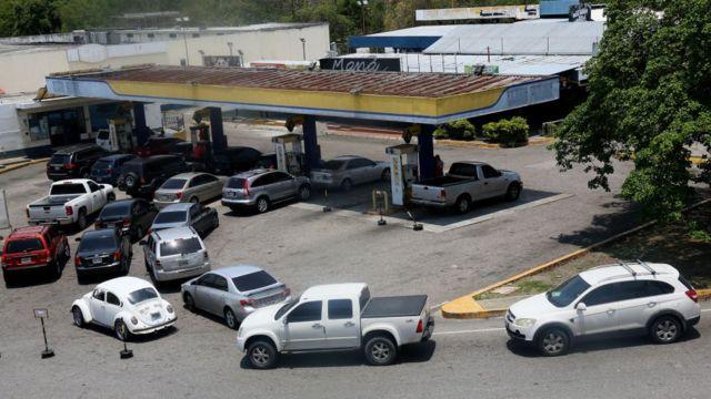Queue to buy gasoline in Venezuela.
